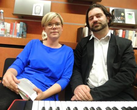 Juliane Uhl (Autorin) und Christian Frosch (Musiker)
